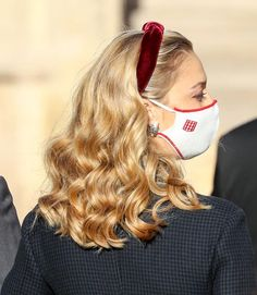 Beatrice Borromeo, Kate Middleton, Caroline Of Monaco, Fashion Themes, Crown Royal, Celebrity Dresses, Mask Design, Fascinator, Long Hair Styles