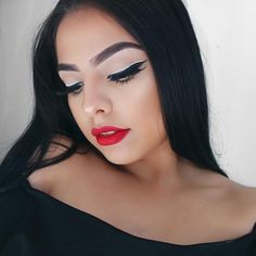 See this Instagram photo by @andrearomanm   White & Black Eyeliner with Red Lips : ✨FACE: @lorealmakeup infallible foundation, @maybelline eraser eye concealer, @lauramercier brightening powder, @benefitcosmeticsuk hoola bronzer ✨BROWS: @anastasiabeverlyhills dip brow pomade in ebony ✨EYES: @sigmabeauty gel liner in wicked, @rimmellondonuk colour precise eyeliner in white, @hudabeauty lashes in Scarlett ✨LIPS: @cailynmakeup extreme matte tint in 37 #anastasiabeverlyhills #anastasiabrows #