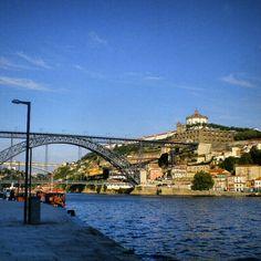 Vista da Ponte Luis I e Mosteiro da Serra do Pilar,Porto,Portugal