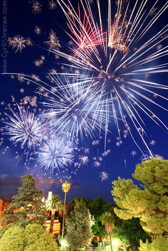 How to Photograph Fireworks Displays @digital-photography-school