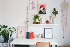Up Your Energy: Simple Workspace Feng Shui Principles to Try Today – Home Office Design İdeas Home Office Space, Home Office Design, Office Decor, Office Ideas, Office Inspo, Office Setup, Desk Space, Bedroom Office, Office Spaces