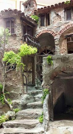 Diorama, Steampunk Gadgets, Door Gate, Sketchbook Inspiration, Abandoned, Spain, Yard, Cottage, Landscape