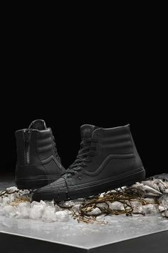 Off the Hook x Chuck Hughes x Vans Sk8 Hi Black Crab. These are so f*cking cool.