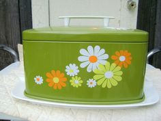 70's kitchen flower power!