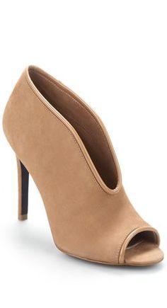 Hoch hinaus gehts mit diesem Heel in Sand (Farbpassnummer 2) Kerstin Tomancok Farb-, Typ-, Stil & Imageberatung