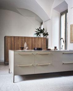 "515 Likes, 9 Comments - Talitha   ZWEI Design (@zweidesign) on Instagram: ""Stunning kitchen in warm tones by Italian brand Cesar."""