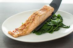 Stoomoven recept: Oosterse zalm met spinazie - Leuke recepten Allrecipes, Food And Drink, Turkey, Meat, Dinner, Cooking, Healthy, Drinks, Recipes