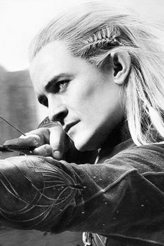 Orlando Bloom as Legolas. This is a stunning shot!