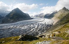 The Aletsch #Glacier, the largest in the #Alps, will melt down in coming years, exposing deep gorges where lakes can accumulate, researchers believe.