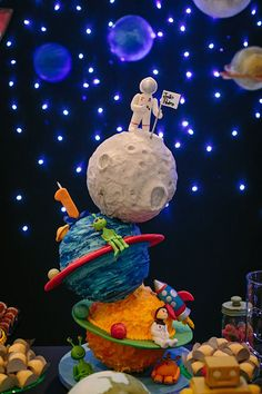1 year party with space theme - It Mãe 2nd Birthday Parties, 4th Birthday, Space Baby Shower, Astronaut Party, Outer Space Party, Fun Party Themes, Baby Party, First Birthdays, Cakes