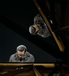 Bill Evans <Our Love Is Here To Stay> – JazzTokyo Bill Evans, Piano Man, Jazz Musicians, Jazz Blues, Our Love, Roy Batty, Legends, Portraits, Film