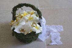 Flower Girl's basket   Lynley Events Bali   www.lynley.net