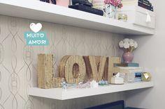 Decor glam: Veja como fazer um objeto lindo de decoração! Letras LOVE douradas. Saiba mais no blog clicando na foto!