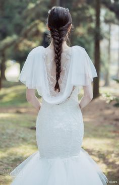 Dresses that are beautiful even in back
