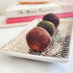 "145 Likes, 7 Comments - Brianne Mayne (@miss_bee_mayne) on Instagram: ""Morning tea time! Quick and easy choc mint bliss balls 💕 Packed full of protein and rolled in our…"""