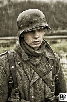 Young german soldier, WWII - pin by Paolo Marzioli Ww2 Uniforms, German Uniforms, German Soldiers Ww2, German Army, Luftwaffe, Military Art, Military History, Germany Ww2, Special Forces