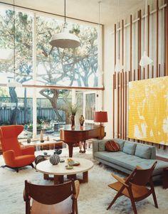 #interiors #HomeDecor #vintage #SittingRoom #glass