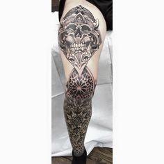 Leg sleeve in progress-knee