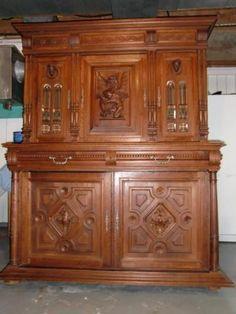 Petite armoire en bois style antique commodes armoires for Meuble antique kijiji