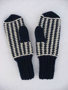 Ailin lapaset. Knitted Mittens Pattern, Knit Mittens, Slipper Boots, Slippers, Gloves, Knitting, Crochet, Hats, How To Wear
