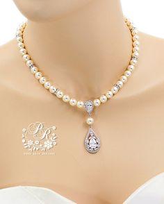 Hochzeit Halskette Swarovski Perle Zirkonia von PureRainDesigns