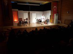Prof. Dr. Necmettin Erbakan Kültür Merkezi'nde sahnelenen Hipokrat Yemini adlı oyun Ümraniyeli sanatseverler tarafından beğeniyle izlendi.