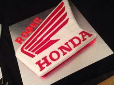 Honda logo cake