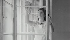 Katartikus örömmel tölt el a foltmentesen ragyogó csempe? Imádunk mosogatás közben meditálni és gondolkozni? A csillagjegyünk elárulja, melyik házimunka áll igazán közel a szívünkhöz. Kos: kivinni a
