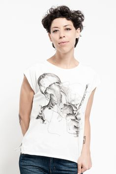 Pure cotton T-shirt jellyfish  Made in Italy  www.chiaraperrot.it http://serenastrino.wordpress.com  https://www.facebook.com/ChiaraPerrot https://www.facebook.com/pages/Casual_it%C3%A0/408423862592378