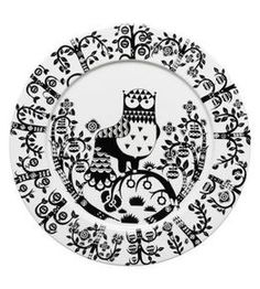 Set of 7 white and black ceramic Iittala Taika by Klaus Haapaniemi dinner plates featuring folk style woodland owl motif and brand stamp at undersides. White Dinner Plates, Dinner Plate Sets, Dinner Ware, Assiette Design, For Elise, Kartell, Appetizer Plates, Fine Porcelain, Owls