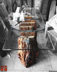 Taki stół i nie potrzeba nic więcej, prawda? :)