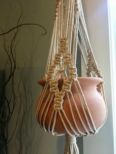 Classic Cream Macrame Plant Hanger/Indoor plants/ Modern/ Boho – Garden is craft Etsy Macrame, Macrame Art, Macrame Projects, Micro Macrame, Macrame Hanging Planter, Macrame Plant Holder, Macrame Plant Hanger Patterns, Macrame Patterns, Art Macramé