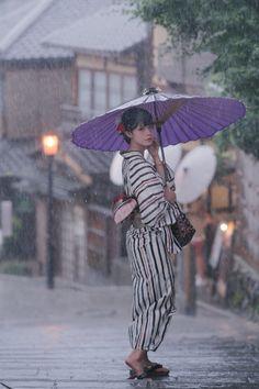 Life is a Journey Japanese Geisha, Japanese Beauty, Japanese Kimono, Osaka, Female Pose Reference, Photo Reference, Japan Woman, Japan Photo, Japanese Outfits