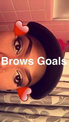 @soph2502 Eyebrows Goals, Eyebrows On Fleek, Perfect Eyebrows, Makeup On Fleek, Cute Makeup, Glam Makeup, Skin Makeup, Beauty Makeup, Flawless Face