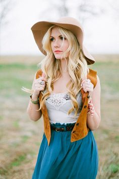boho look for an engagement session // photo by Ciara-Richardson.com