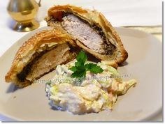 Gizi-receptjei. Várok mindenkit.: Hétvégi receptajánló!!! Gombás csirkemell leveles tésztában, salátával.