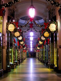 Piccadilly Arcade, my dream to go to Piccadilly Circus in the UK