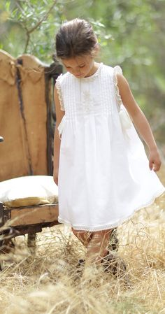 Vintage inspired girls dresses and clothing Little Girl Dresses, Girls Dresses, Flower Girl Dresses, Little Girl Fashion, Kids Fashion, Smocking Baby, Long Sleeve Bridal Dresses, Dress For Girl Child, Frocks And Gowns