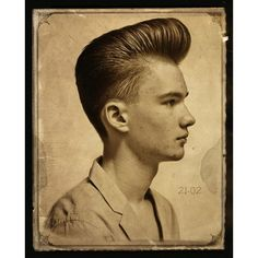 Now that all my hair in front is falling out, The Pompadour.making its way back into popular demand! Mens Rockabilly Hairstyles, Mohawk Hairstyles Men, Look Rockabilly, Pompadour Hairstyle, Classic Hairstyles, Retro Hairstyles, Men's Pompadour, Men's Hairstyle, Medium Hairstyles