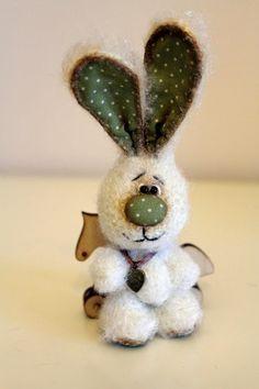 Вяжу и играю... игрушки и описания Марины Борисовой: Мишка и зайки (миниатюры)