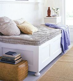 Learn how to make a daybed out of two wooden doors here: http://www.bhg.com/decorating/storage/projects/flea-market-storage-ideas/?socsrc=bhgpin101915turndoorsintofurniture&page=21 The 3 step process is oh-so-simple!