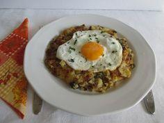 Röszti tükörtojással Eggs, Breakfast, Food, Morning Coffee, Egg, Essen, Yemek, Morning Breakfast, Eten