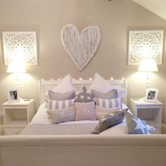 awesome 50 Stunning Bedroom Decorating Ideas for a Teen Girl #AwesomeBedrooms
