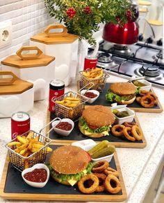Party Food Platters, Food Presentation, Breakfast Presentation, Food Snapchat, Food Displays, Food Decoration, Food Goals, Cafe Food, Aesthetic Food
