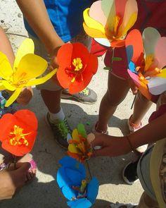 Mattina dedicata all'osservazione dei fiori e poi..ne abbiamo costruito uno anche noi! #tonezza  #flower #summerkids