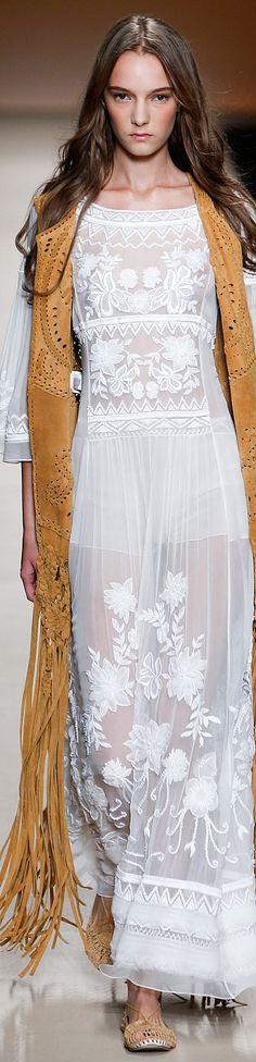 Alberta Ferretti Collection Spring 2015.