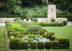Gorgeously manicured garden.