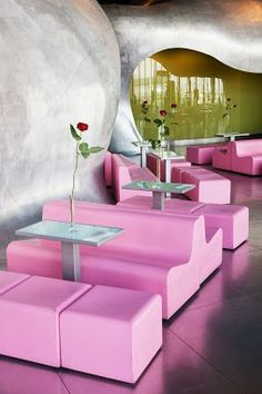 Restaurant in the Centre Georges-Pompidou, Paris, France. Pink Restaurant, Restaurant Design, Modern Restaurant, Georges Pompidou Centre, Pompidou Paris, Design Café, Paris Restaurants, I Love Paris, Everything Pink