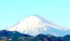 0127 また『食』の大切さ勉強になりました  1月2日、3日と二日間 静岡の実家に戻ってました。 今回 また『食』の大切さ勉強になりました。 神様・仏様・ご先祖様へのご挨拶できたと親孝行出来ました。 さすが私の母(83歳)は、疲れたみたいです。 新幹線も、時間かかるみたいで・・・ 静岡県 掛川、森町、伊達方、静岡市呉服町行ってきました。 親戚の方々 おじさん、おばさんも高齢になり本当に大変です。 高齢化 社会の現実を今回考えさせられました。 しかし今回は、『食』の勉強になりました。 親戚のおじさん 昭和6年生まれ(86歳)のお話します。 一年前にあったのですが、前よりも元気になった感じでした。