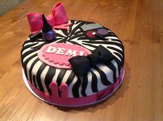 Tiener taart. Food Club, Birthday Cake, Cupcakes, Desserts, Kids, Pound Cake, Tailgate Desserts, Birthday Cakes, Cupcake
